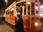 tramvaj atrakcija u ulici Istiklal Cadesi