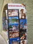 Razglednice ispred prodavnice suvenira