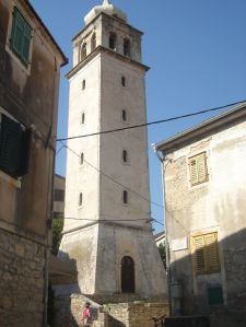 Kampanel udaljen od crkve Male Gospe