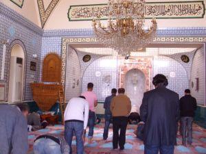 za vrijeme molitve u dzamiji