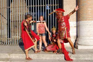 Stari Rimljani sa Kleopatrom