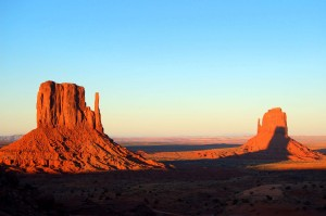 Monument Valley-Mittens